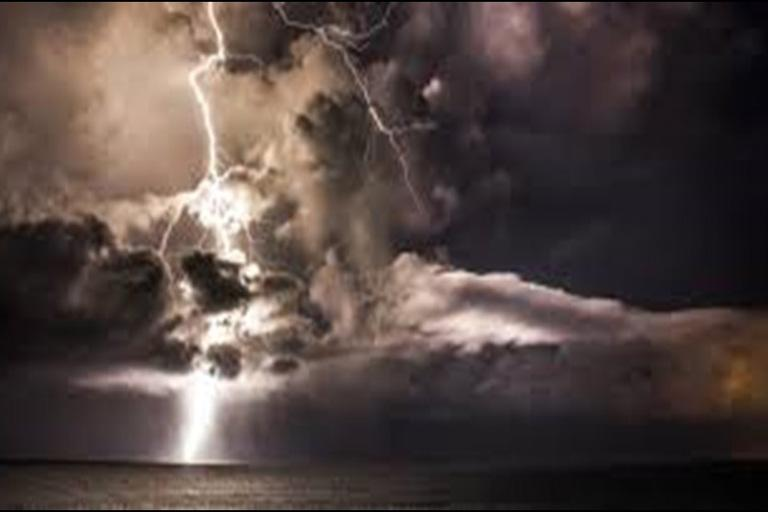 Image of lightning and clouds